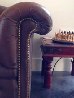 chesterfield-stud-details-and-indian-side-table