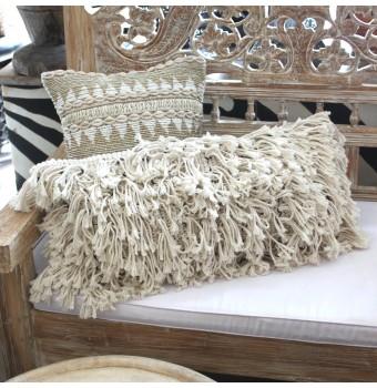 tassel-cushion
