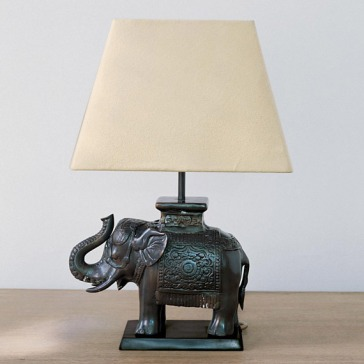 oka-elephant-desk-lamp