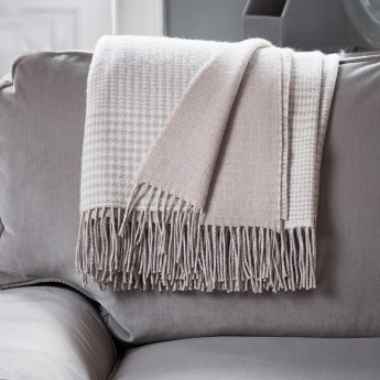 292800_double-sided-pure-wool-bone-check-throw_ls_1_web