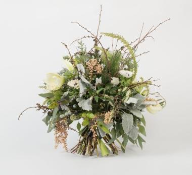 white_seasonal_bouquet_95